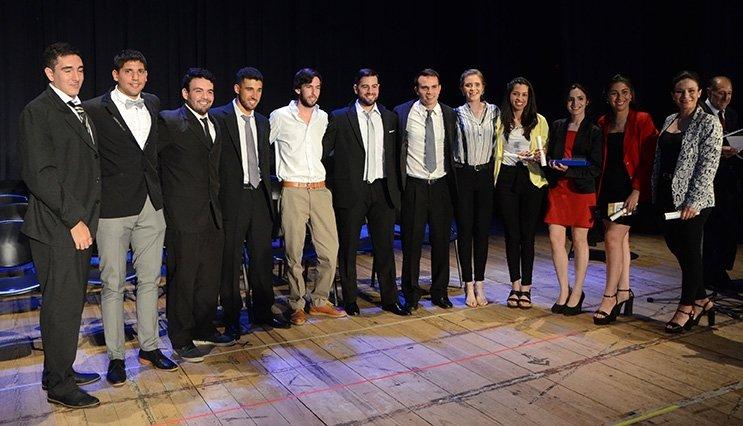 Se realizó la octava Colación de Grados de la UTN Concordia. - Central de Noticias