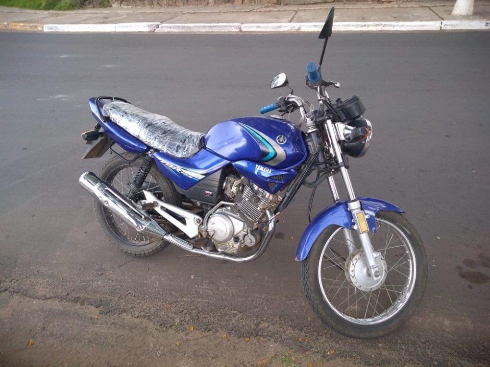 Recuperaron en la costanera de Concordia una moto robada en el año 2014. - Central de Noticias